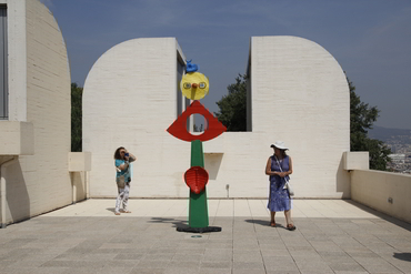 Two women at the Miro Museum in Barcelona after our painting retreat in Provence