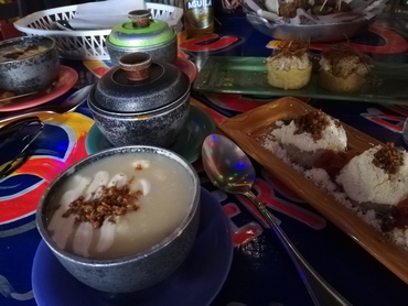 Tasting Colombian coastal food during our art and food workshop in South America